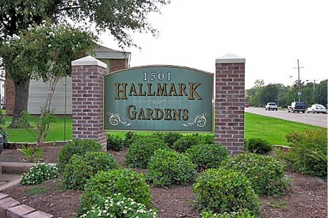 Hallmark Gardens Apartments - Greenville, Mississippi