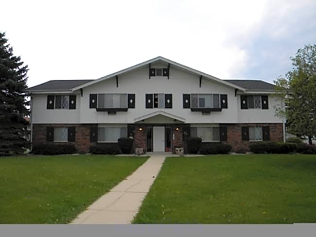 Francese Drive Apartments - Germantown, Wisconsin 53022