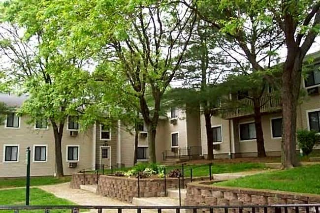 Carriage Hill Apartments & Woodhill Fletcher - Goshen, New York 10924