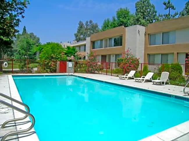 Northpark Apartments (Lurline Gardens) - Chatsworth, California 91311