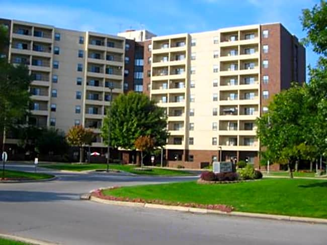 South Colony Place I & II - Saginaw, Michigan 48603