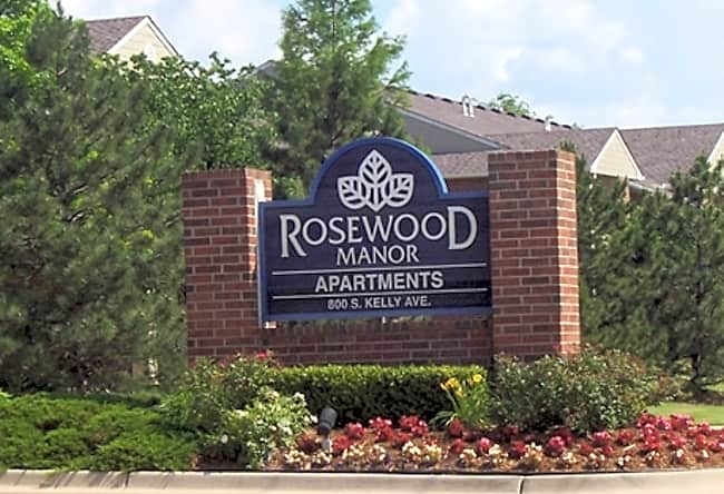 Rosewood Manor Apartments - Edmond, Oklahoma 73003