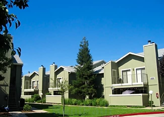 Vintage Creek Apartments - Elk Grove, California 95624