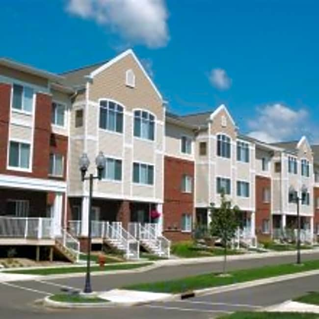 Hearthstone Apartments And Townhomes - Apple Valley, Minnesota 55124