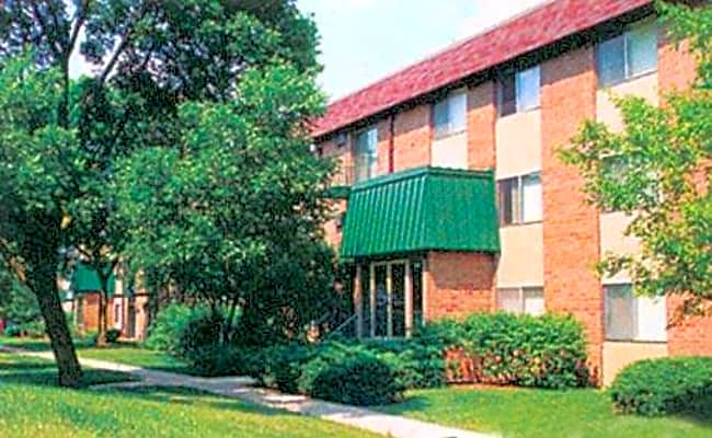 Spring Hill Apartments - Roselle, Illinois 60172
