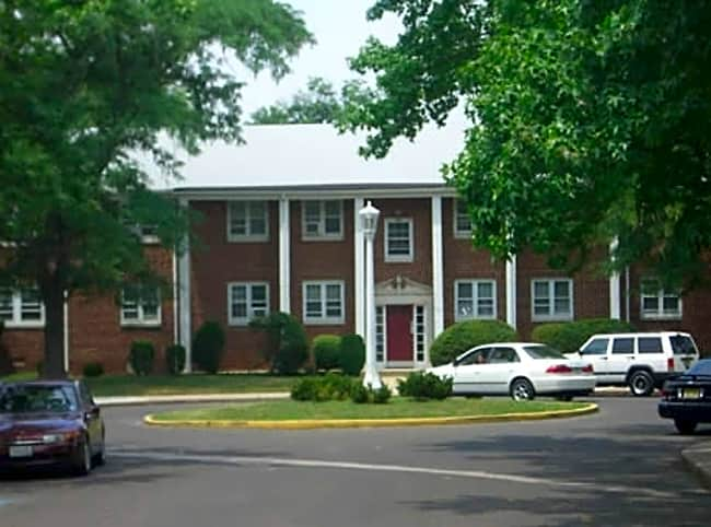 Wallworth Park Apartments - Cherry Hill, New Jersey 08002