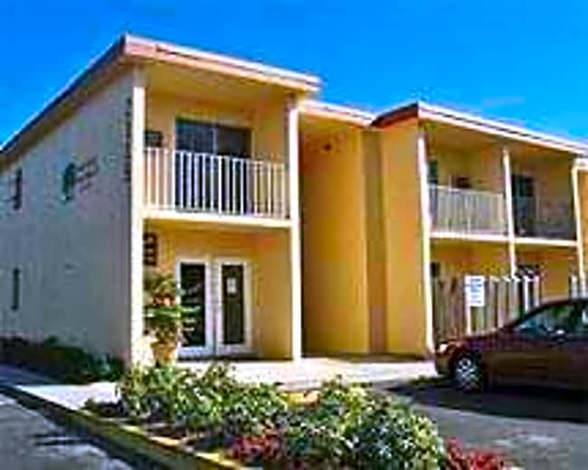Twin Oaks - Fort Myers, Florida 33901