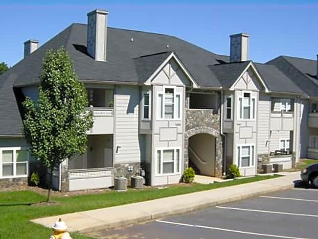 The Villas at Pebble Creek - Hickory, North Carolina 28601