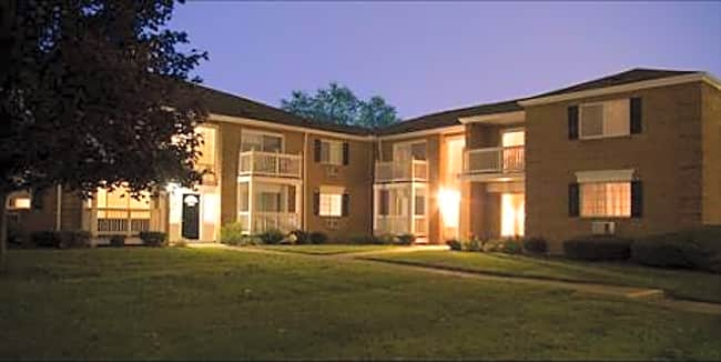 Briarwood Park Apartments - Royal Oak, Michigan 48073