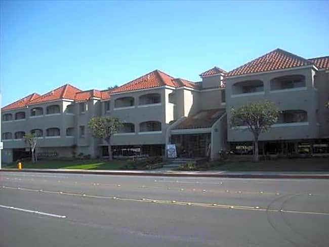 Yorktown Apartments - Huntington Beach, California 92646