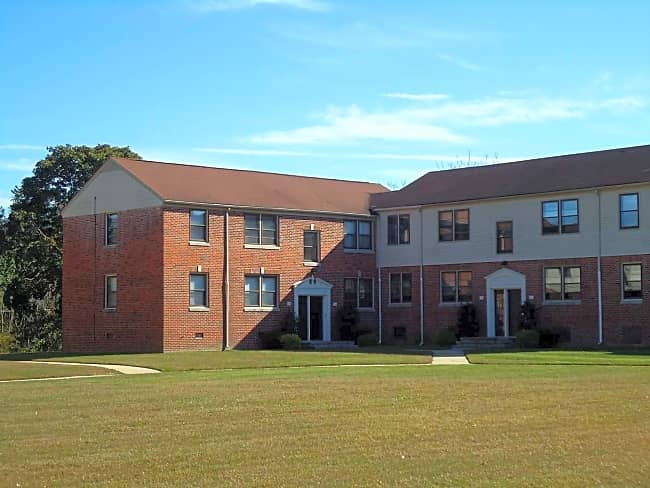 Park Towne / Chestnut Court Apartments - Vineland, New Jersey 08360