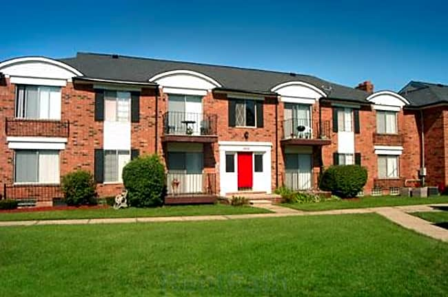 French Quarter Apartments - Southfield, Michigan 48034