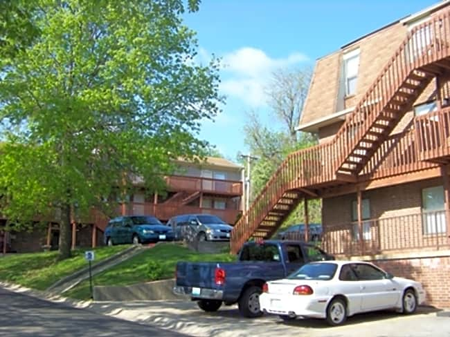 Hillside Apartments - Independence, Missouri 64050