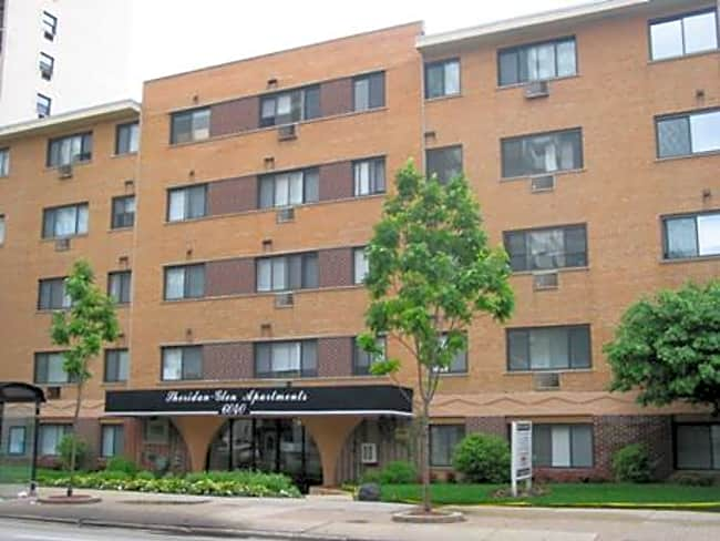 Sheridan Glen Apartments - Chicago, Illinois 60660