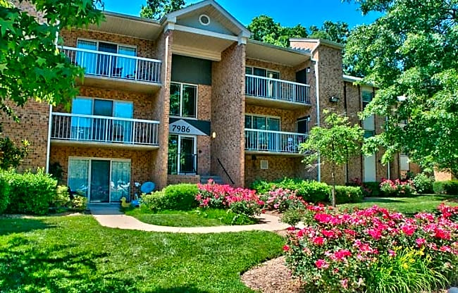 Creekside Village - Alexandria, Virginia 22306