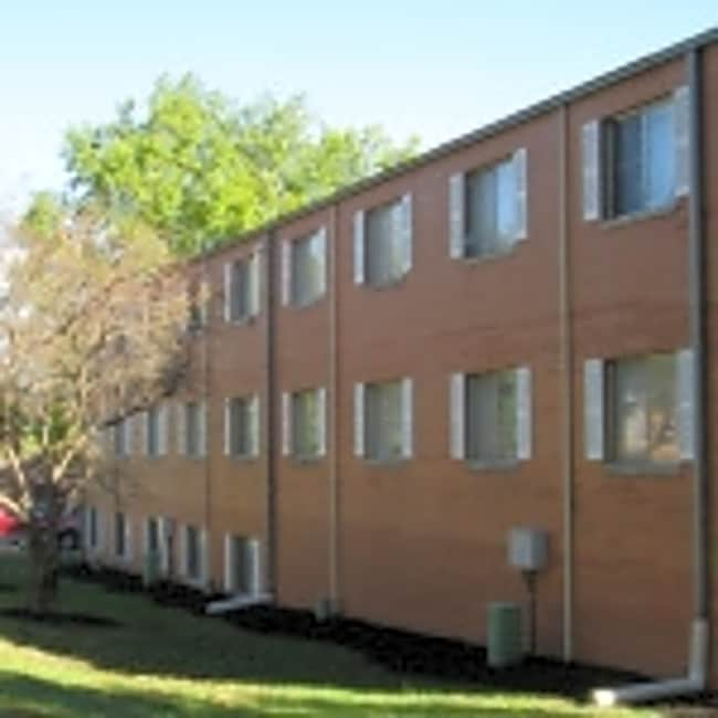 Campus View Apartments - Lawrence, Kansas 66046