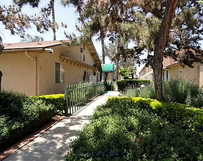 Anza Oaks Apartments - El Cajon, California 92020