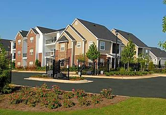 Crowne at Long Leaf Trace Apartments - Hattiesburg, Mississippi 39401