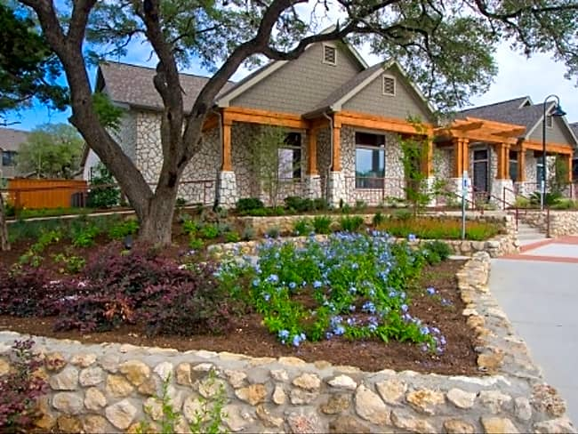 The Cottages - Austin, Texas 78744