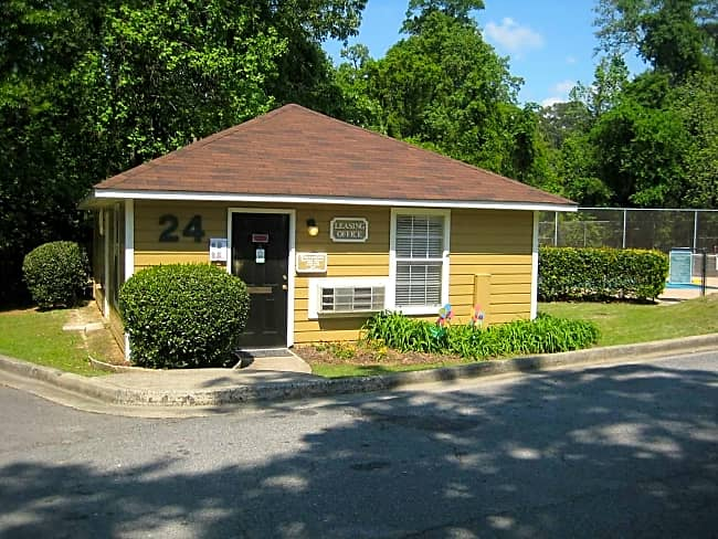 River Park Apartment Homes - Macon, Georgia 31211
