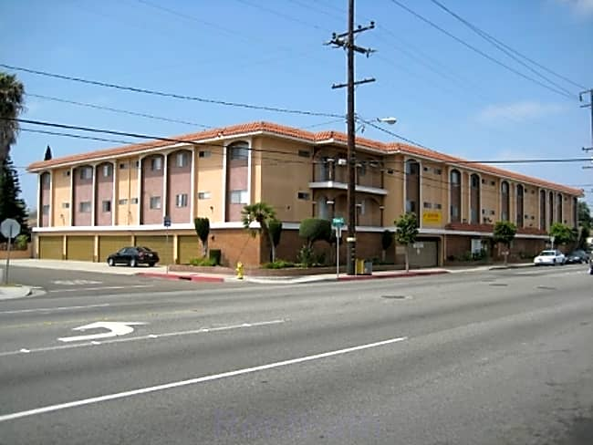 Valencia Apartments - Hawthorne, California 90250