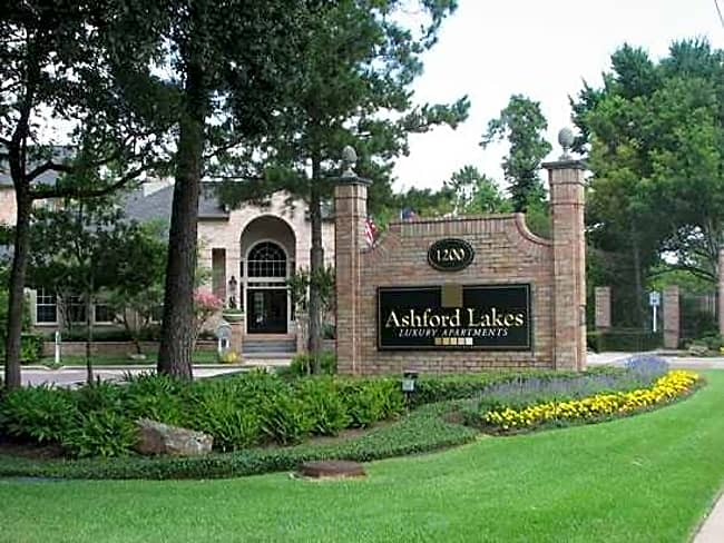 Ashford Lakes - Houston, Texas 77077