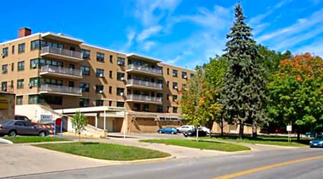 2920 Dean - Minneapolis, Minnesota 55416