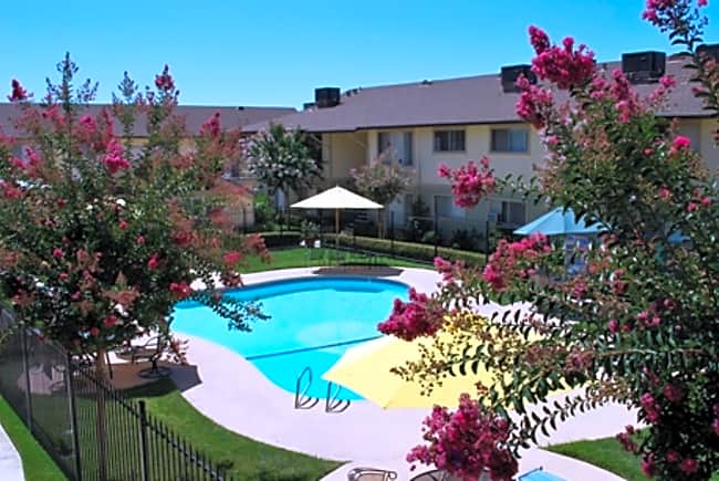 Hacienda Garden Apartment Homes - Rancho Cordova, California 95670