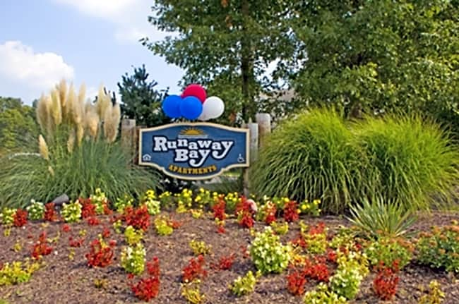 Runaway Bay Apartments - Salisbury, Maryland