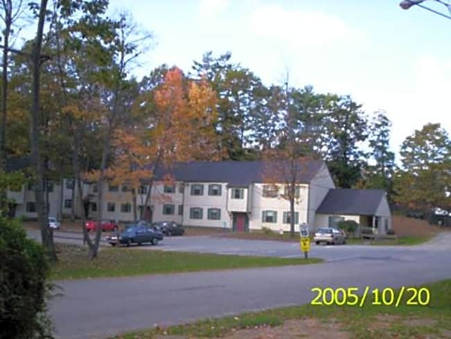 Pine Tree Lane Apartments - West Lebanon, New Hampshire