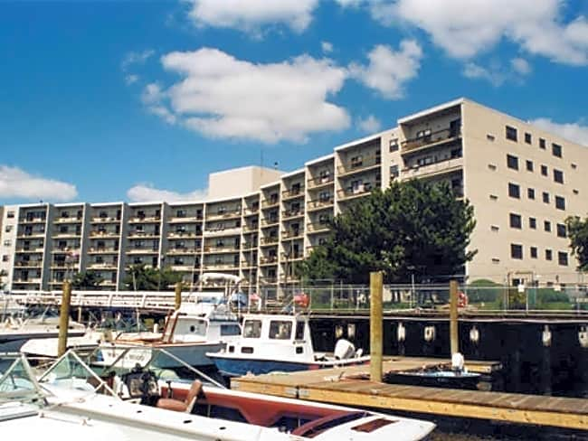 Clipper Apartments - Quincy, Massachusetts 02169