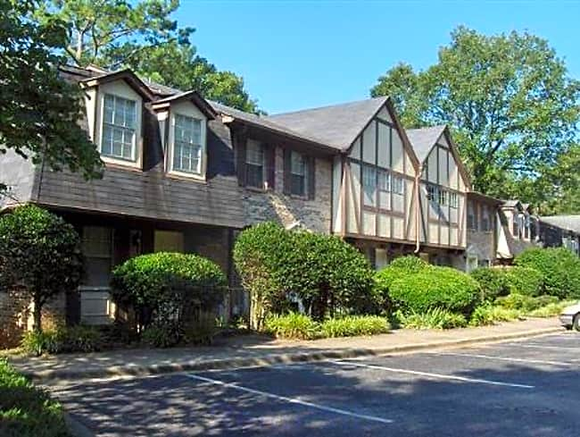 Dewberry Downs Townhouse Apartments - Hoover, Alabama 35226