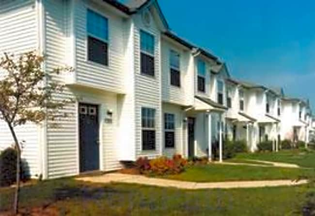 Centre Street Village Townhomes - Portage, Michigan 49002
