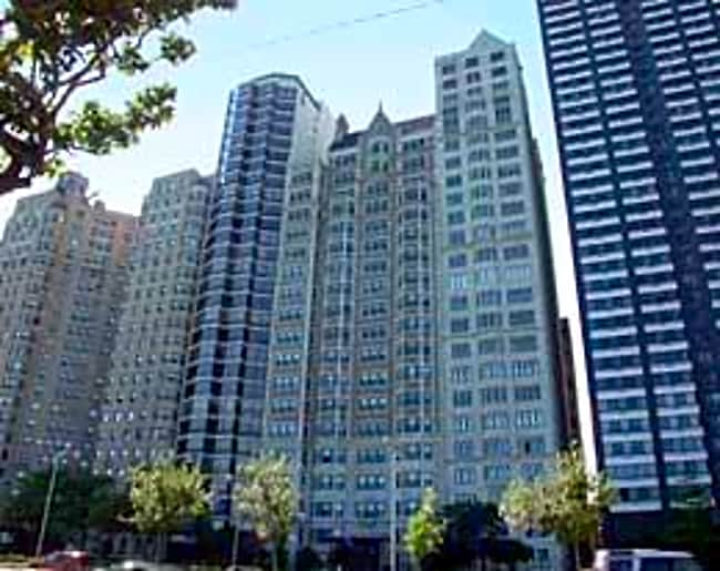 1420 North Lake Shore Dr - Chicago, Illinois 60610