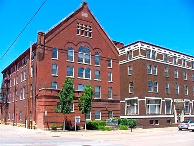 Henry Stout Apartments - Dubuque, Iowa 52001