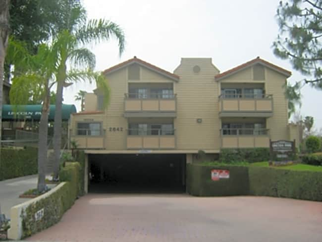 Lincoln Park Apartments - Anaheim, California 92801