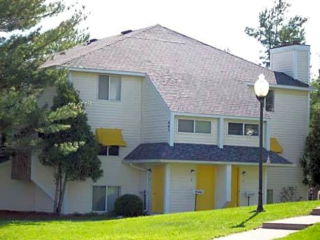 Alpine Lake Apartments - Jackson, Michigan 49203