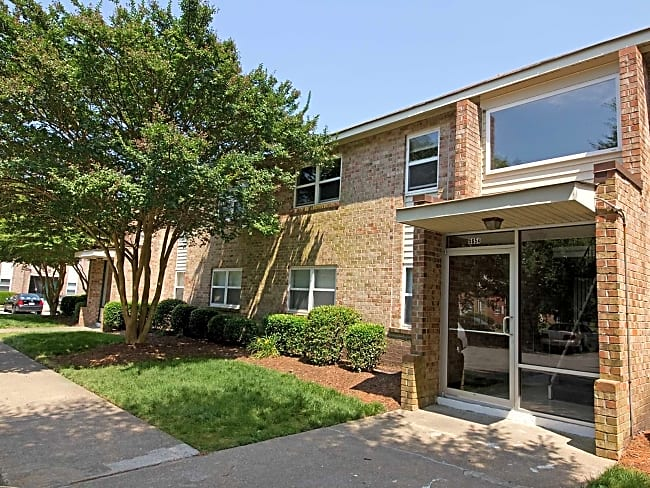 Cedar Creek Apartments - Portsmouth, Virginia 23703