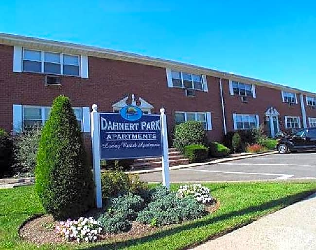 Dahnert Park Apartments - Garfield, New Jersey 07026