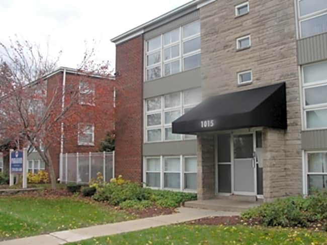 Parkwood Apartments - Gary, Indiana 46408