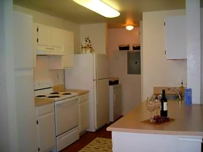 Bristol Park Apartments - Little Rock, Arkansas 72211