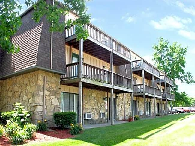 Bloomfield Apartments - Columbus, Indiana
