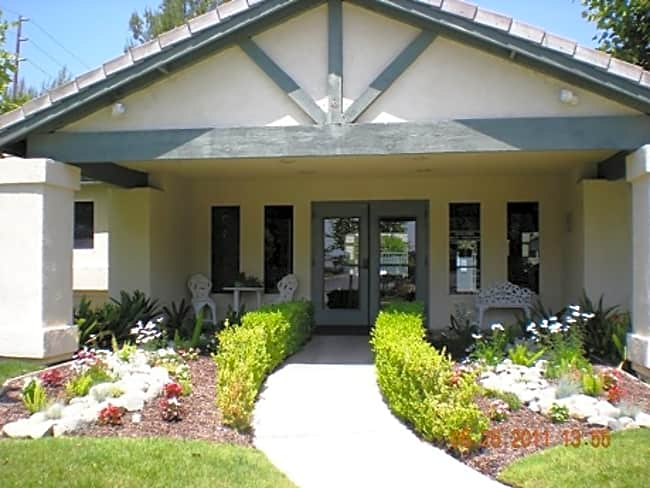 Creekside Apartments - Riverside, California 92504