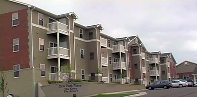 Oak Park Place Dubuque - Dubuque, Iowa 52002