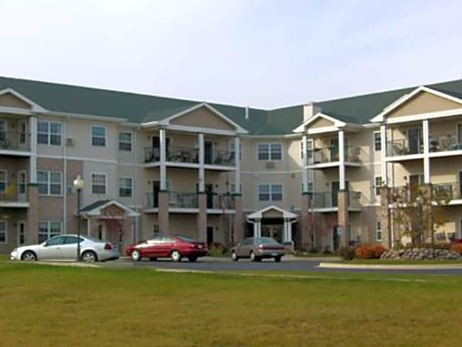Lincoln Village Apartments - Port Washington, Wisconsin 53074