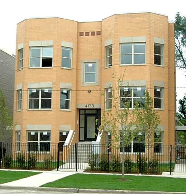 Mahalia Place - Chicago, Illinois 60653