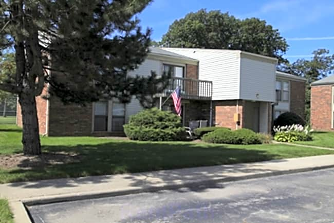 Fairway Club Apartments - Canton, Michigan 48188