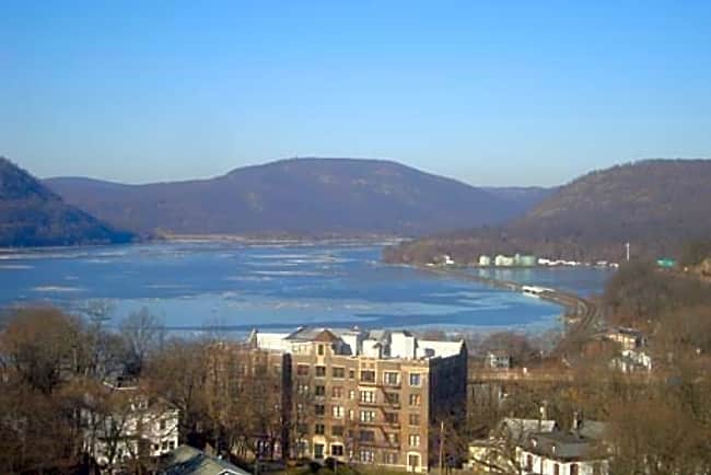 River Pointe at Drum Hill - Peekskill, New York 10566