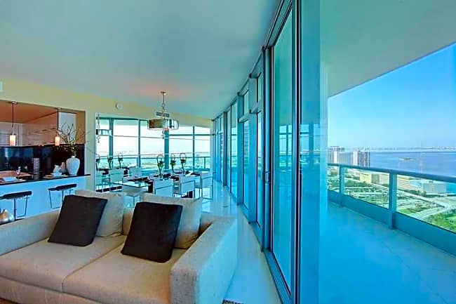 900 Biscayne Bay - Miami, Florida 33132
