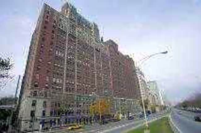 3240 Lake Shore Drive - Chicago, Illinois 60657